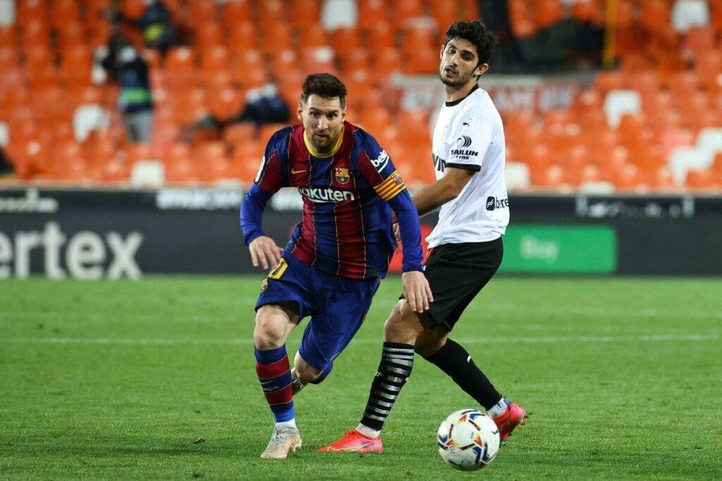 Messi là tiền đạo hộ công xuất sắc nhất hiện nay